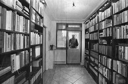 Boekenkast Jan Marijnissen
