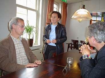 Kartika in gesprek met Tiny Kox en Hans van Heijningen