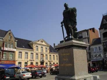 Zottigem, standbeeld van Graaf Van Egmont